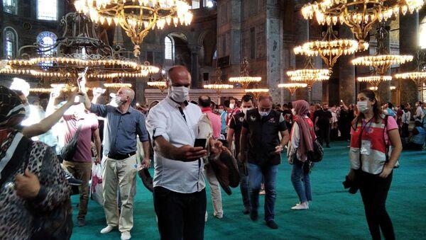 Chrám Hagia Sofia se otevřel jako mešita  - Sputnik Česká republika