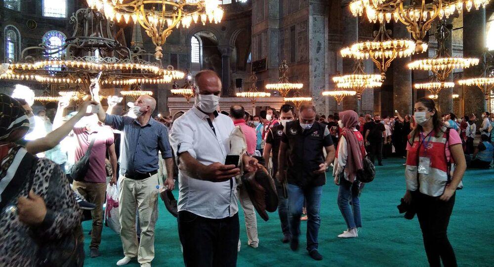Chrám Hagia Sofia se otevřel jako mešita