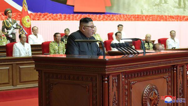 Severokorejský lídr Kim Čong-un na 6. republikovém sletu veteránů Korejské války - Sputnik Česká republika