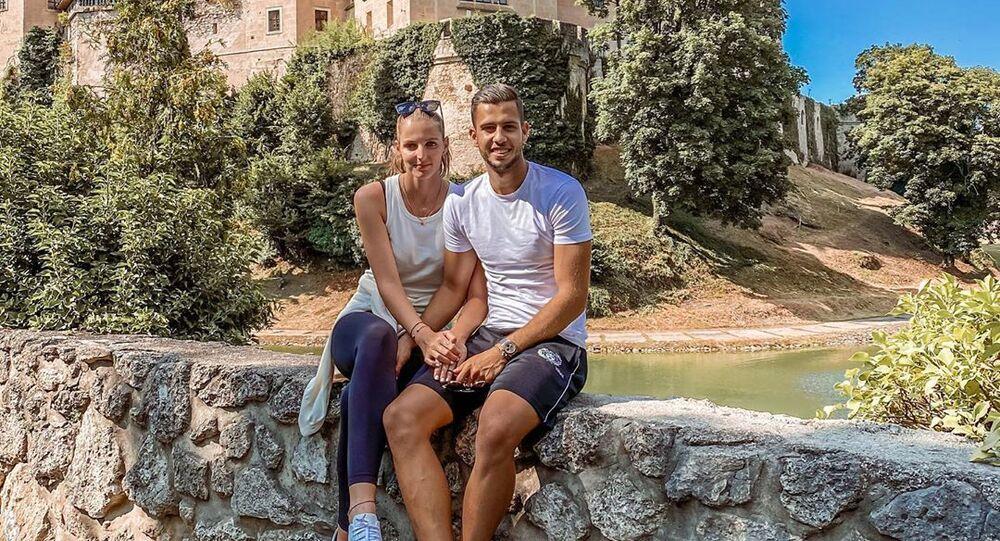 Slovenský fotbalista Dávid Hancko s Kristýnou Plíškovou
