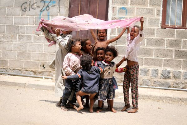 Děti ve slumech v hlavním městě San'á. - Sputnik Česká republika