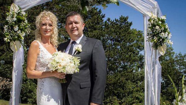 Český ministr vnitra a šéf ČSSD Jan Hamáček s manželkou Gabrielou Kloudovou - Sputnik Česká republika