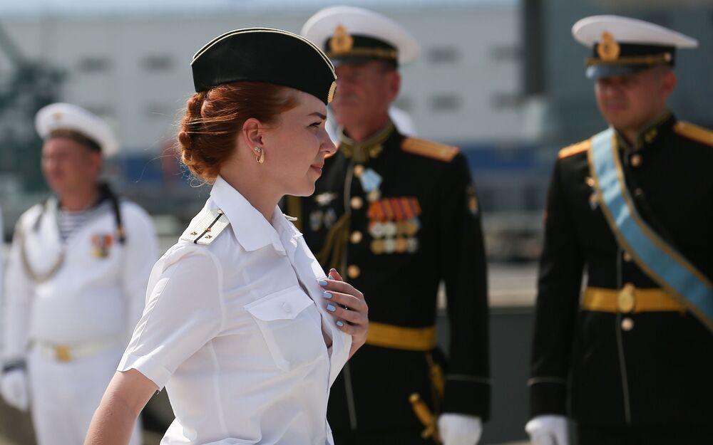 Oslavy Dne vojenského námořnictva na základně Černomořského loďstva v Novorossijsku.