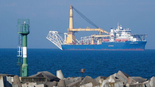 Ruská loď kladoucí potrubí - Sputnik Česká republika
