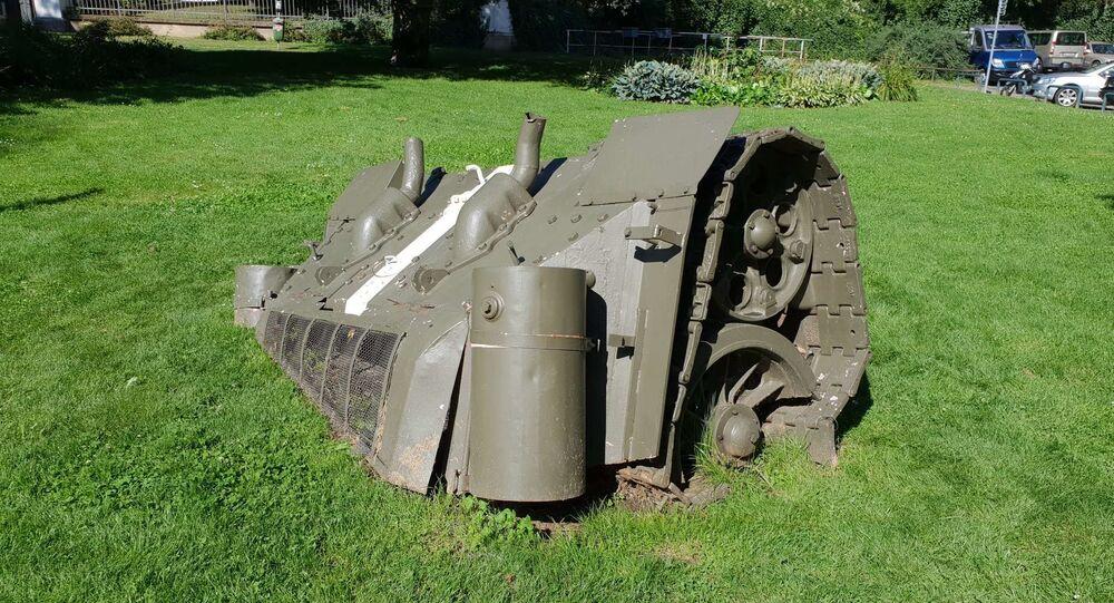 Zadek sovětského tanku na náměstí Kinských vPraze