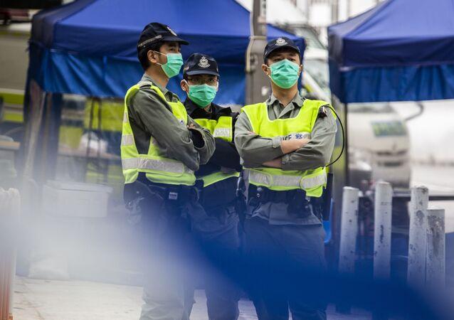 Policisté v Hongkongu