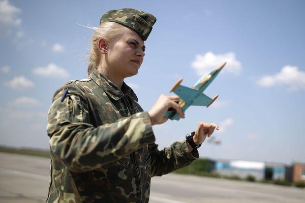 Poprvé v historii. První let studentek vyšší vojenské letecké školy v Krasnodaru - Sputnik Česká republika