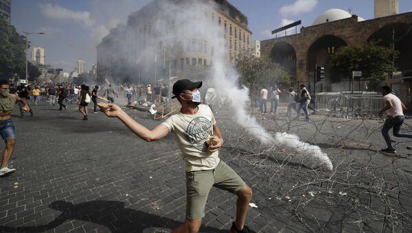 Střety mezi demonstranty a bezpečnostními silami v Bejrútu - Sputnik Česká republika
