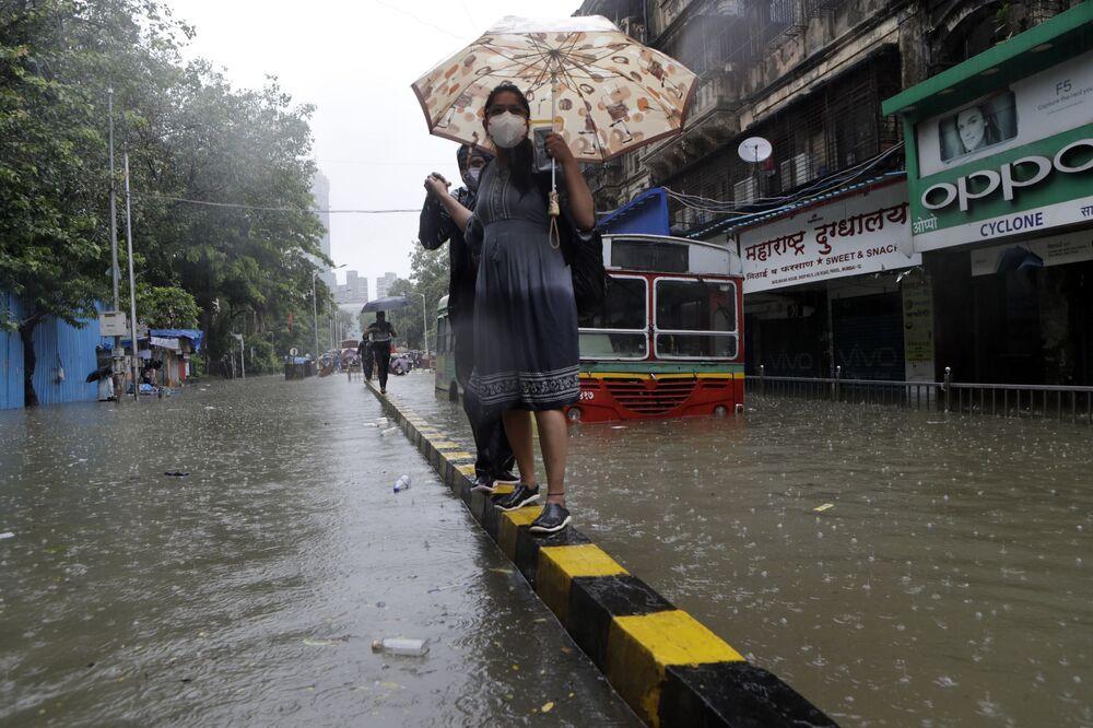 Zaplavené ulice v Bombaji, Indie