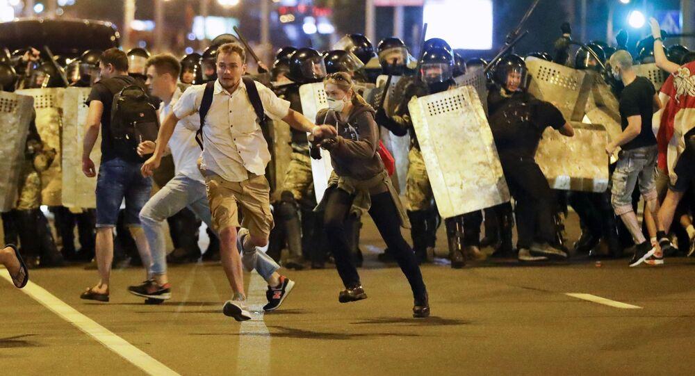 Účastníci protestů v Bělorusku