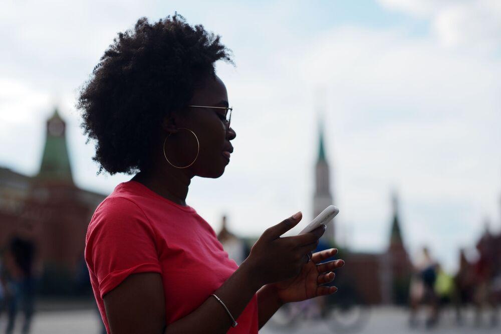 Dívka na Rudém náměstí, 2020.