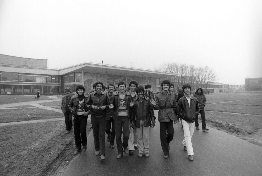 Turisté z Afghánistánu na Leninských horách, 1983.