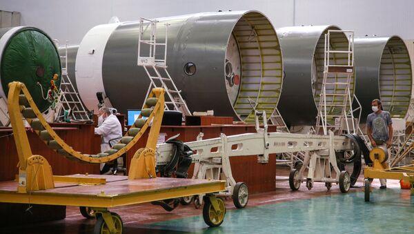 Rakety Sojuz-2 na území Raketového a kosmického ústavu Progress v Samaře  - Sputnik Česká republika