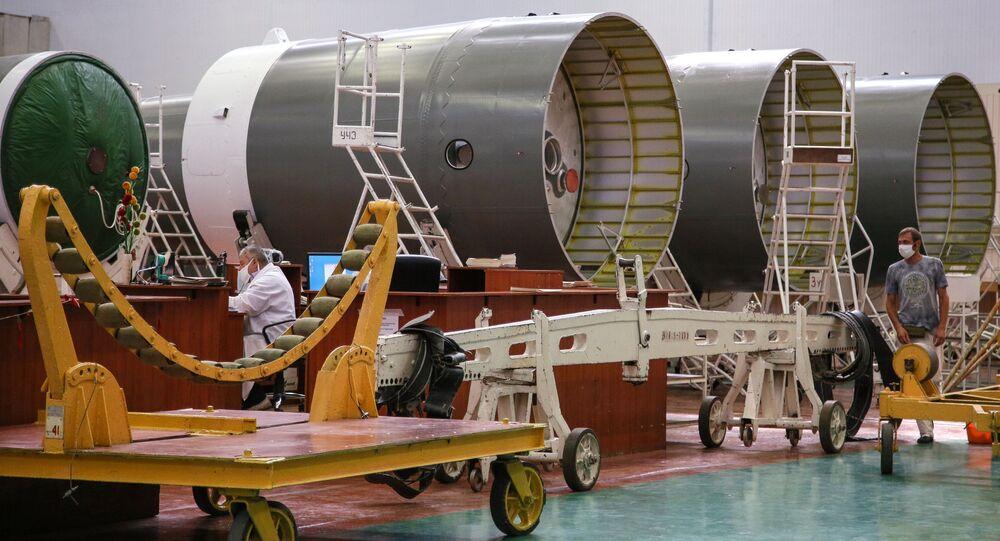 Rakety Sojuz-2 na území Raketového a kosmického ústavu Progress v Samaře