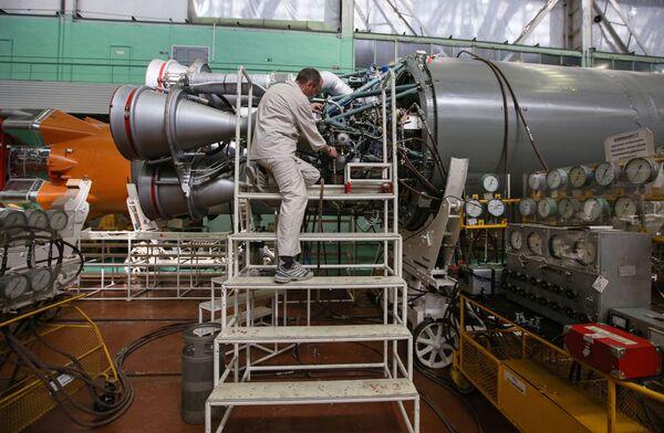 Montáž Sojuzu 2 v raketovém a kosmickém středisku CSKB-Progress. - Sputnik Česká republika