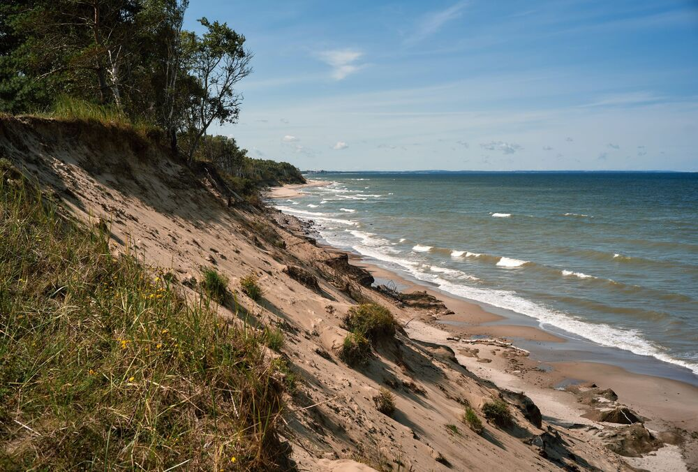 Písečné pobřeží v národním parku Kurská kosa v Kaliningradské oblasti.