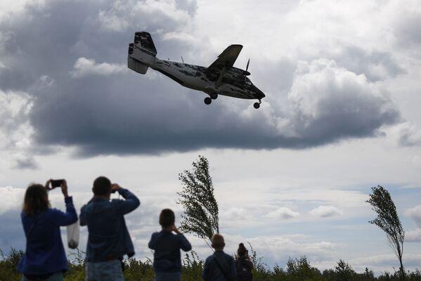 Letadlo An-28 během oslav Dne vzdušných sil Ruska - Sputnik Česká republika