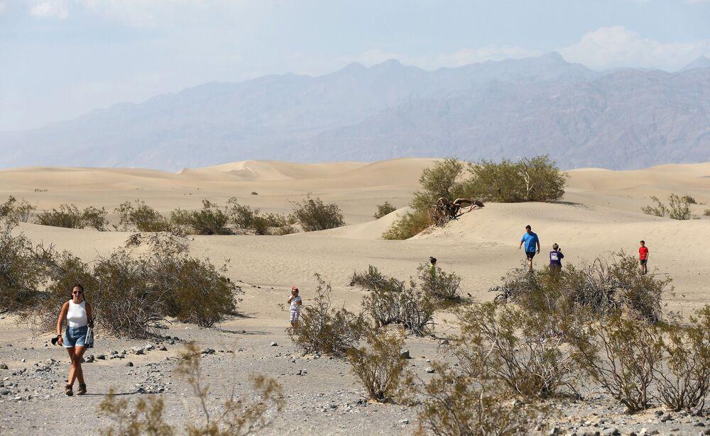 Návštěvníci Národního parku Údolí smrti, Kalifornie, USA.