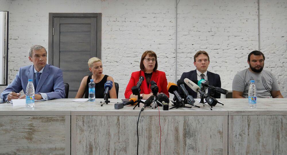 Zástupci Koordinační rady běloruské opozice Pavel Latuško, Maria Kolesnikovová, Olga Kovalkovová, Maxim Znak a Sergej Dylevský