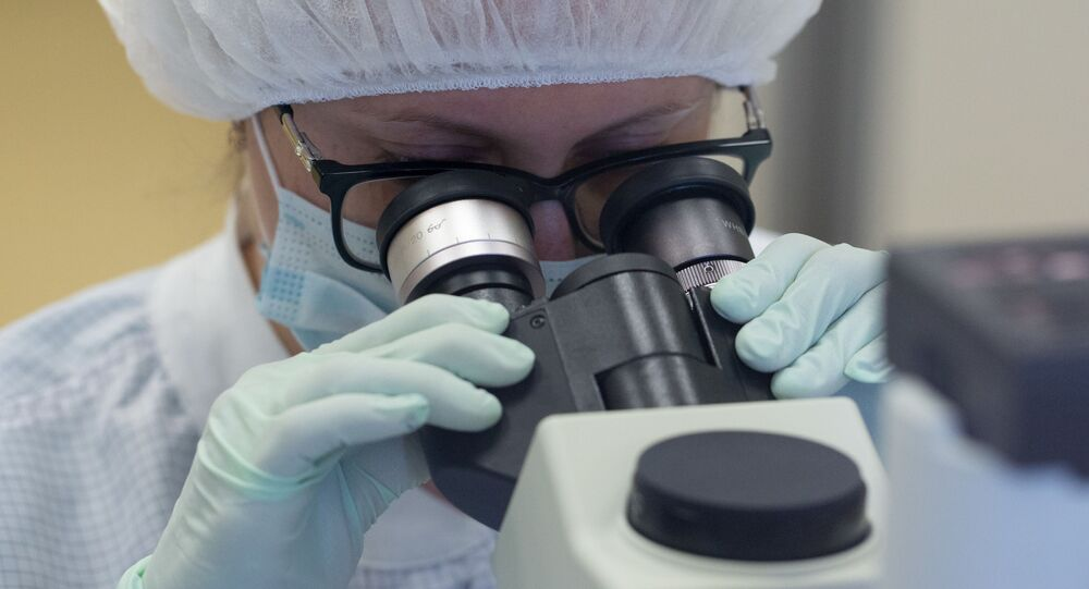 Výroba vakcíny proti covid-19 na závodě Binnofarm v Moskevské oblasti