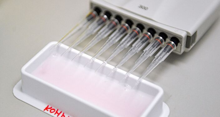 Testy vakcíny proti covidu-19 v centru pro epidemiologii a mikrobiologii N. F. Gamaleji