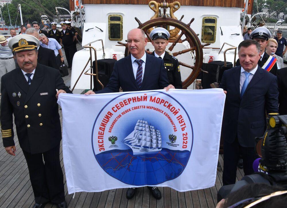 Na sever pod plachtou: unikátní expedice barku Sedov
