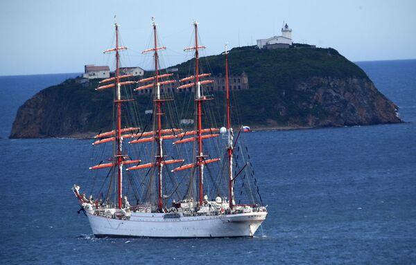 Na sever pod plachtou: unikátní expedice barku Sedov - Sputnik Česká republika