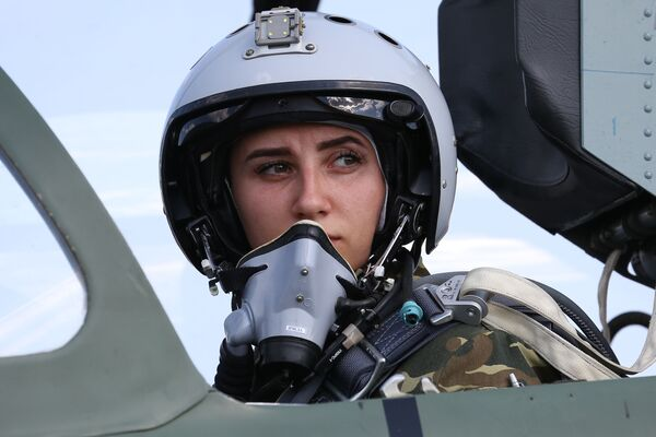 Milující, nebo? Ruské pilotky se připravují na budoucnost - Sputnik Česká republika