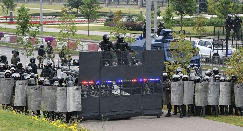 Speciální jednotky před sídlem běloruského prezidenta