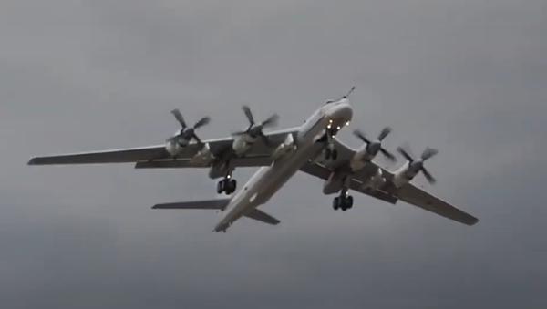 Objevilo se video prvního letu modernizovaného bombardéru Tu-95MSM - Sputnik Česká republika