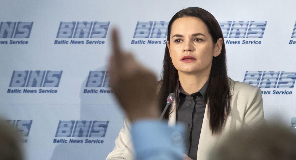 Světlana Tichanovská na tiskové konferenci ve Vilniusu