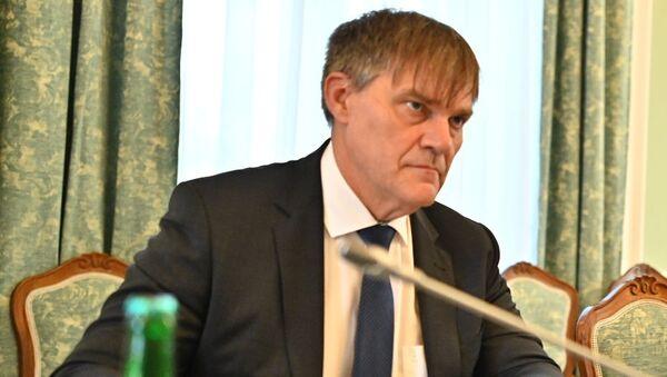 Ředitel zahraničního odboru Kanceláře prezidenta republiky Rudolf Jindrák a premiér České republiky Andrej Babiš - Sputnik Česká republika