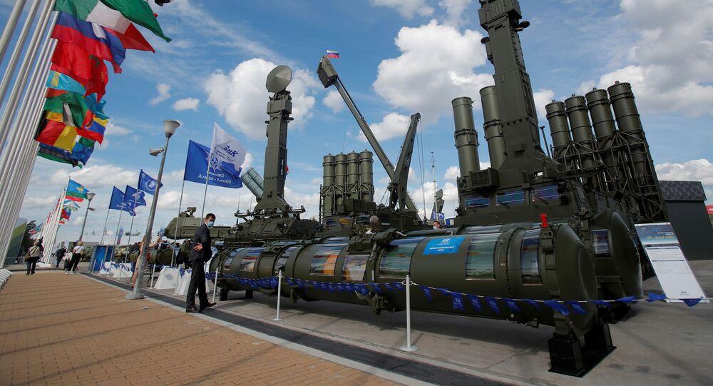 Raketový systém Antej 4000 na Mezinárodním vojensko-technickém fóru Armáda 2020 v parku Patriot
