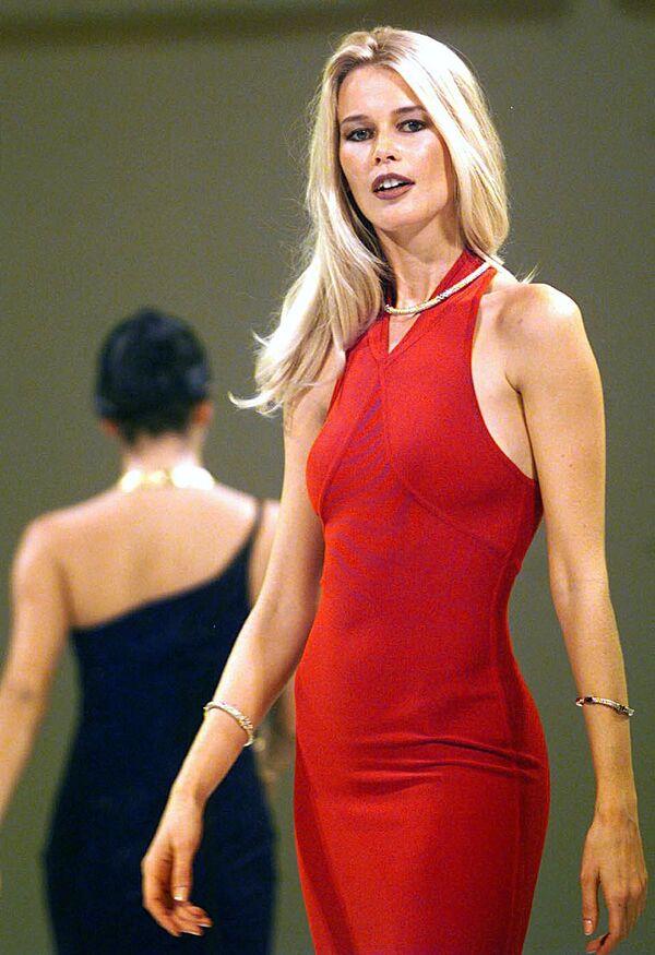 Sex symbol 90. let: Německá supermodelka Claudia Schifferová slaví 50 - Sputnik Česká republika