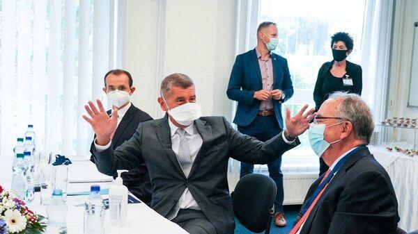 Premiér Andrej Babiš během návštěvy firmy Novavax - Sputnik Česká republika