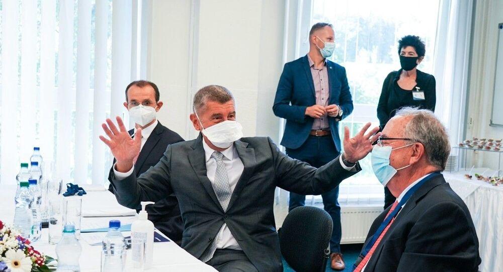 Premiér Andrej Babiš během návštěvy firmy Novavax