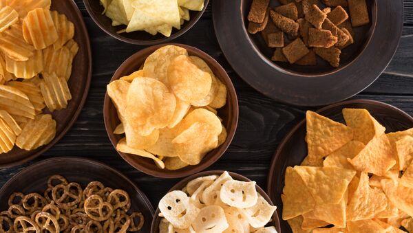 Různé druhy chipsů - Sputnik Česká republika