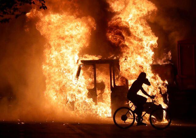 Výstřel do zad: nová vlna násilí zaplavila Ameriku