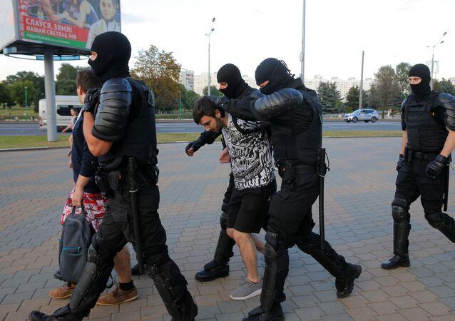 Policie rozehnala účastníky protestní akce v Minsku