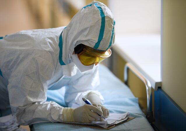 Lékař v moskevské nemocnici