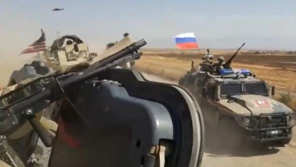 Video z incidentu s ruskými a americkými vojáky v Sýrii - Sputnik Česká republika