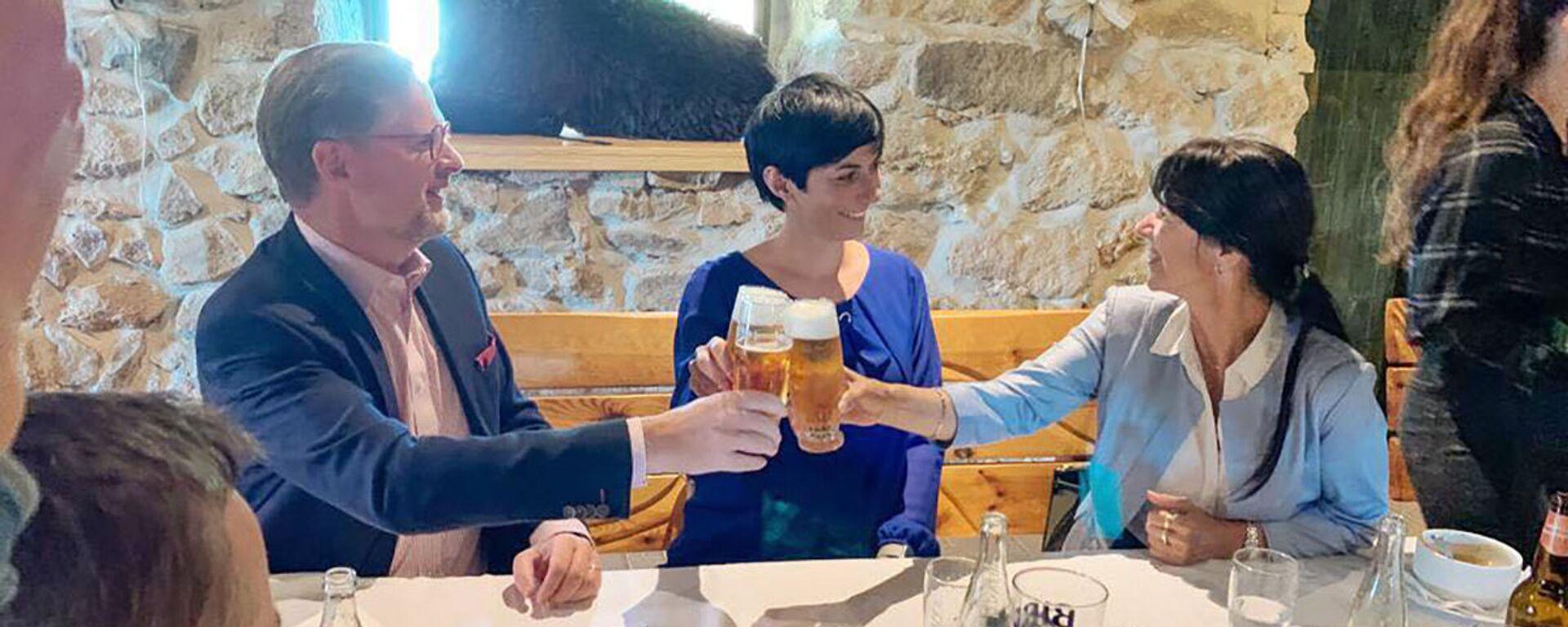 Čeští politici Petr Fiala, Markéta Pekarová Adamová a Ilona Mauricova během setkání v Plzeňském kraji - Sputnik Česká republika, 1920, 01.06.2021