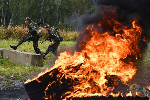 Po dobu dvou týdnů předvádějí vojáci své dovednosti ve 30 soutěžích. - Sputnik Česká republika