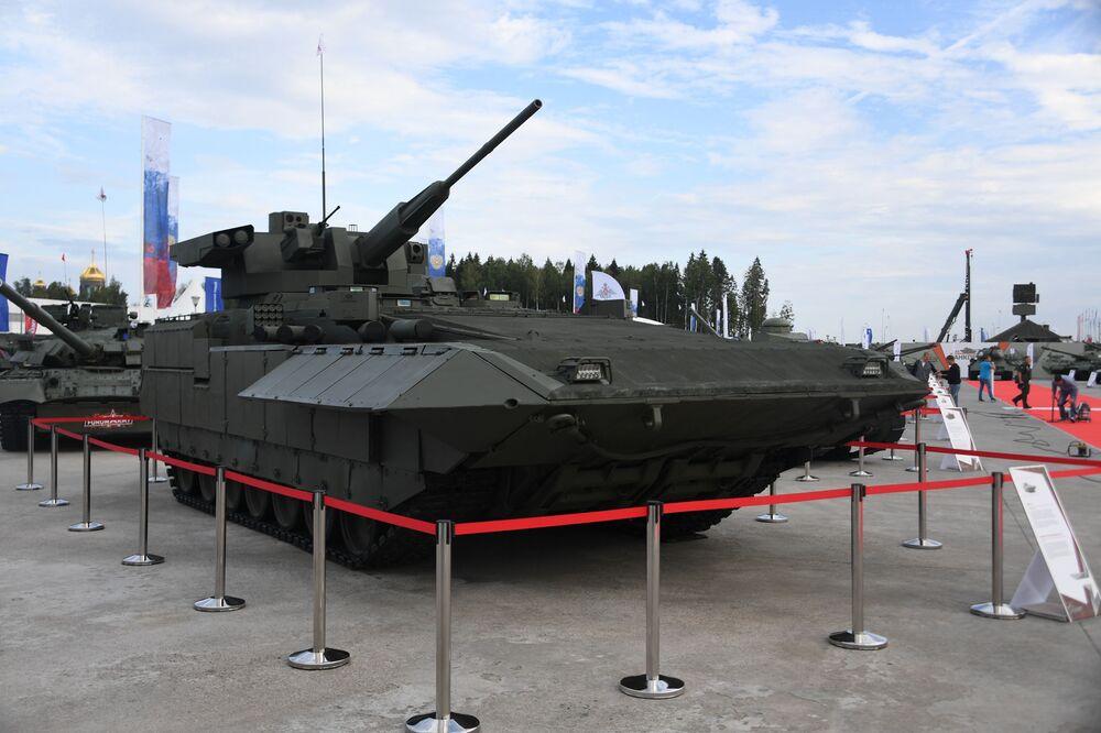 Bojové vozidlo pěchoty BMP T-15 na Mezinárodním vojensko-technickém fóru Armáda 2020