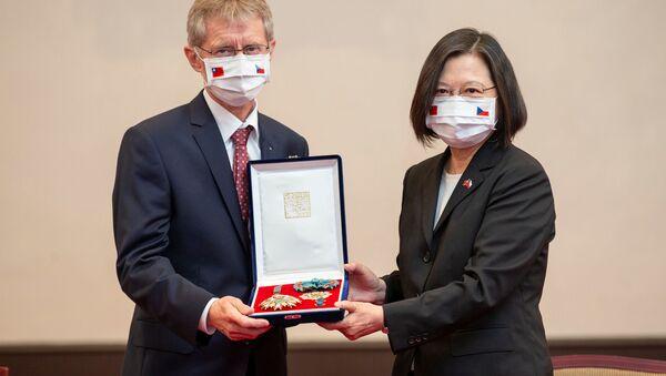 Setkání předsedy českého Senátu Miloše Vystrčila s tchajwanské prezidentkou Cchaj Jing-wenovou - Sputnik Česká republika