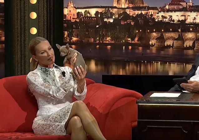 Modelka Simona Krainová v Show Jana Krause