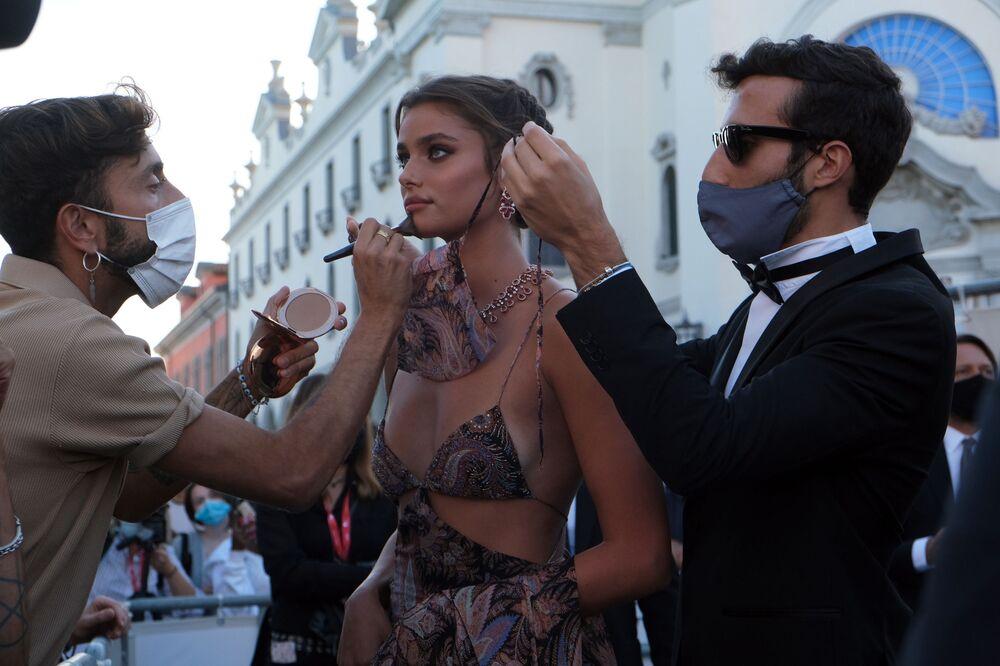 Modelka Taylor Hillová na 77. ročníku filmového festivalu v Benátkách.