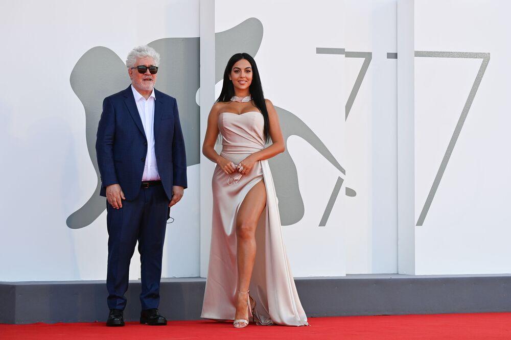 Šik, lesk a vyzývavost. Nejlepší šaty filmového festivalu v Benátkách