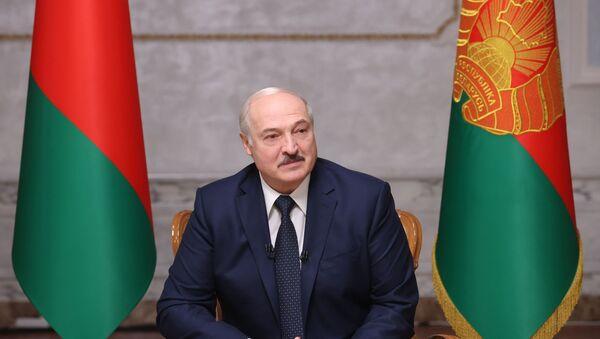Běloruský prezident během rozhovoru s ruskými novináři v Minsku (08. 09. 2020) - Sputnik Česká republika