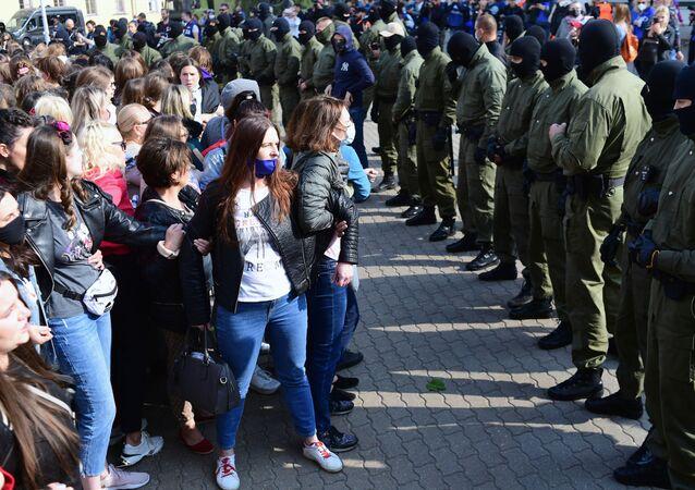 Protesty v Minsku proti prezidentovi Alexandru Lukašenkovi